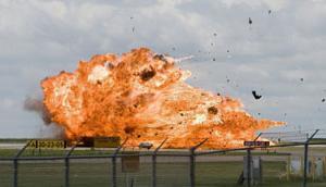 阿尔伯塔机场喷气式飞机坠毁Fighter jet crashes at Alberta airport